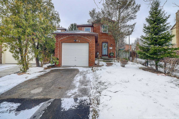 32 Marlow Cres, Markham
