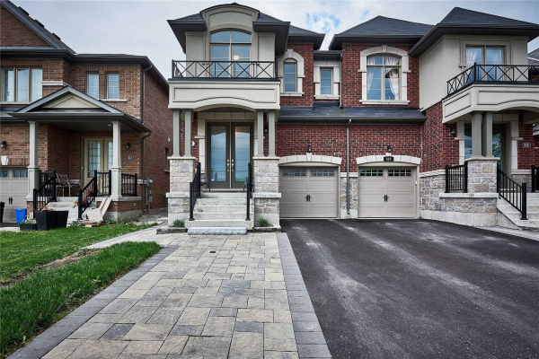 622 Sweetwater Cres, Newmarket