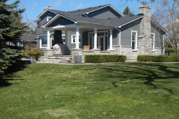 $1,495,000 • 20 Cutting Cres, King