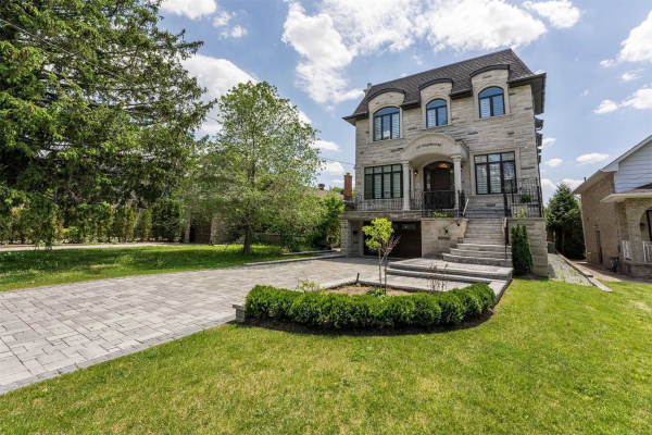 107 Yongehurst Rd, Richmond Hill