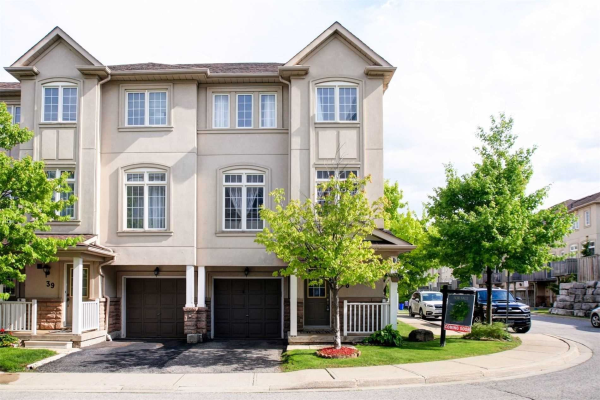 10 Post Oak Dr, Richmond Hill