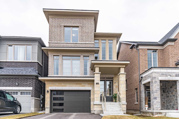 33 Falconridge Terr, East Gwillimbury