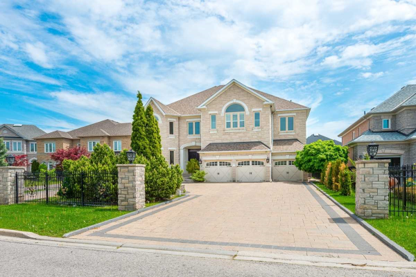 19 Alessia Crt, Richmond Hill