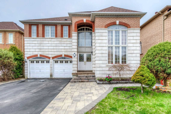 10 Fountain Crt, Richmond Hill