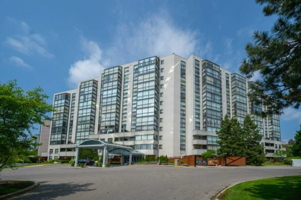 20 Harding Blvd W, Richmond Hill