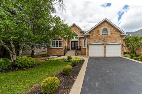48 Harvester Cres, Vaughan