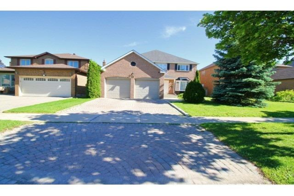 19 Beasley Dr, Richmond Hill