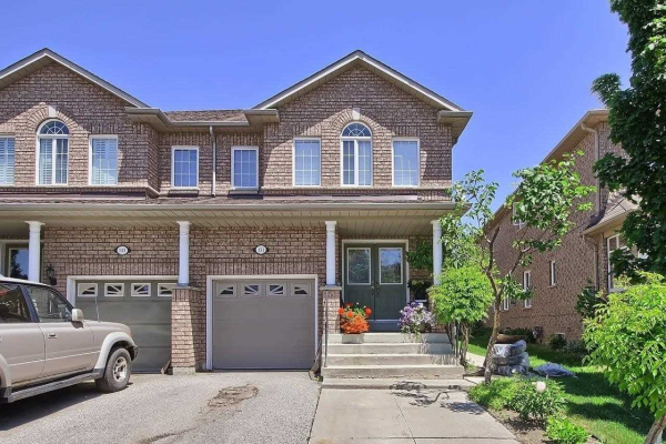131 Castle Park Blvd, Vaughan