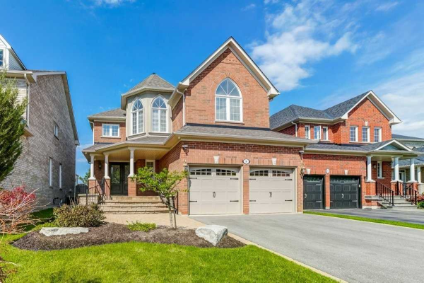 90 Verdi Rd, Richmond Hill