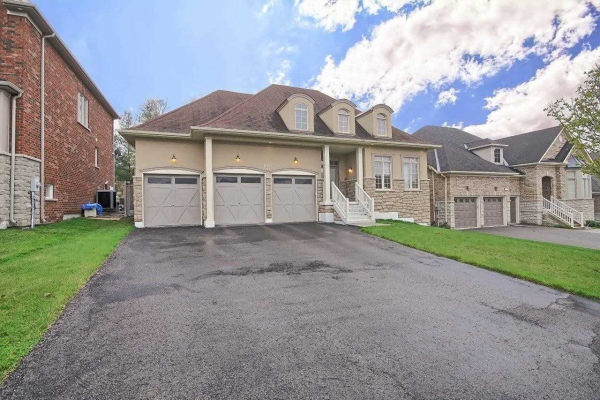 1017 Nellie Little Cres, Newmarket