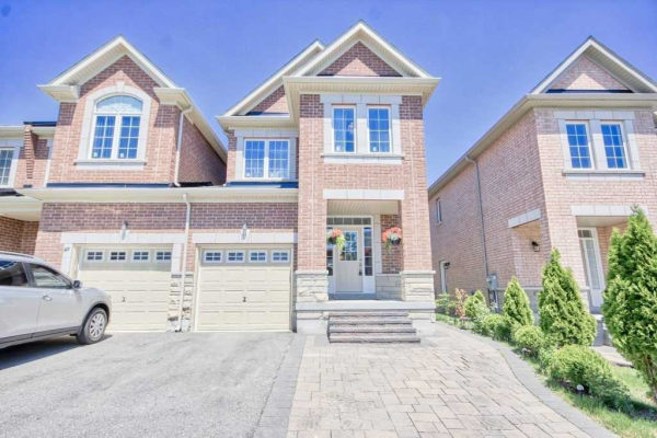 61 Napanee St, Richmond Hill