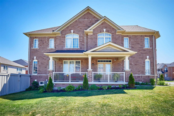 36 Walter English Dr, East Gwillimbury