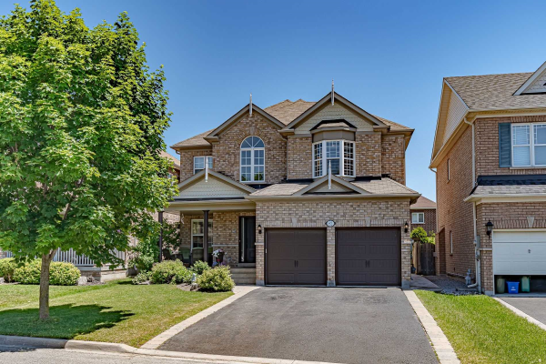 82 Pondmede Cres, Whitchurch-Stouffville