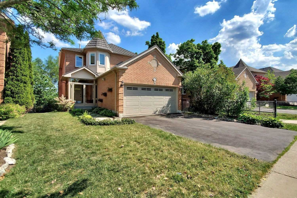 53 Springer Dr, Richmond Hill