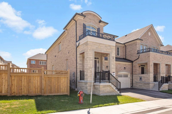 2 Moonseed Lane, Richmond Hill