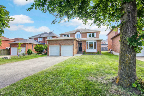 54 Lisa Cres, Richmond Hill
