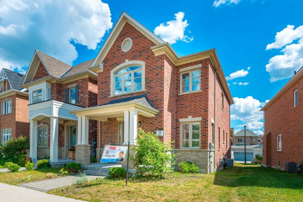 233 Paradelle Dr, Richmond Hill
