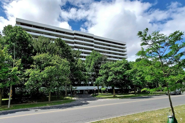 1 Royal Orchard Blvd, Markham