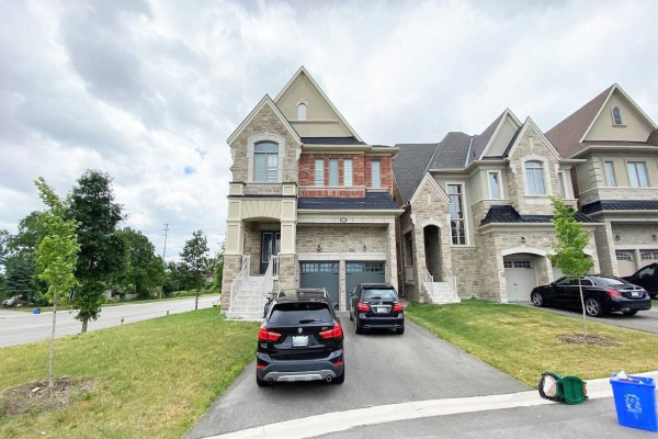 72 Giardina Cres, Richmond Hill