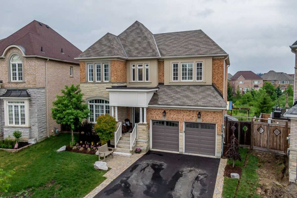 32 Cousteau Dr, Bradford West Gwillimbury