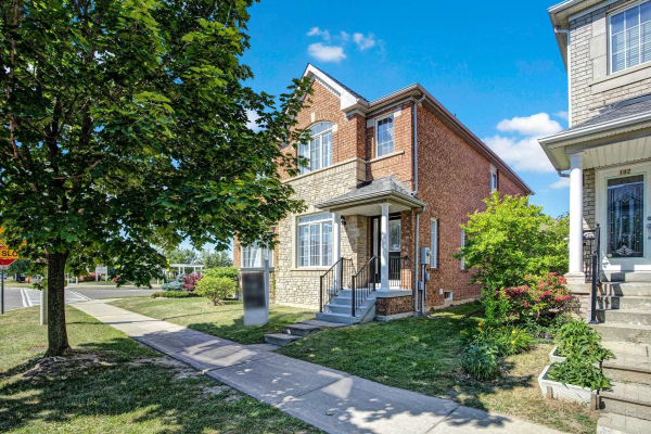 104 Forest Run Blvd, Vaughan