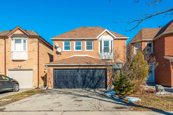 15 Roxborough Lane, Vaughan