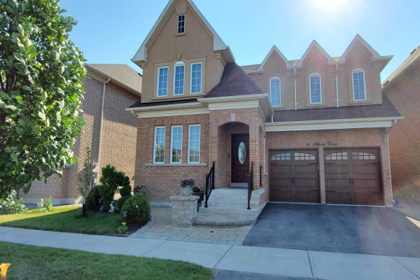114 Alpaca Dr, Richmond Hill