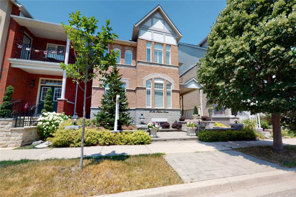 32 The Meadows Ave, Markham