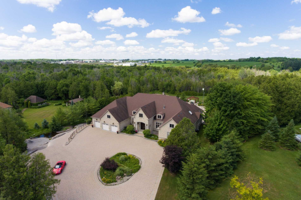 19 River Stone Crt, East Gwillimbury