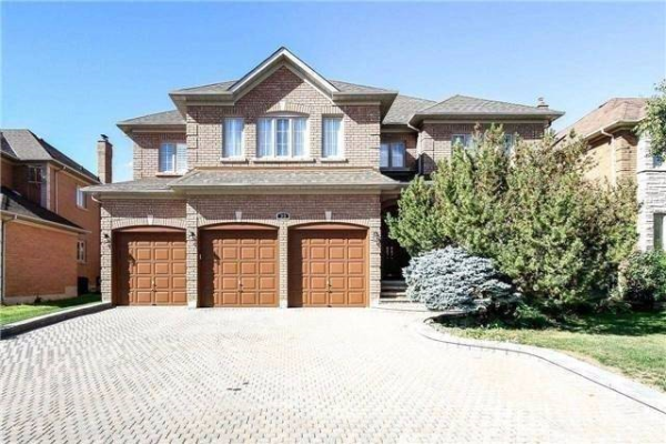 35 Green Ash Cres, Richmond Hill
