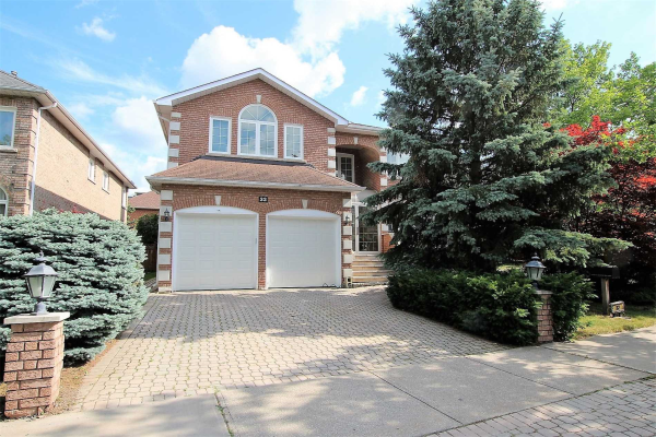 32 Lady Lynn Cres, Richmond Hill