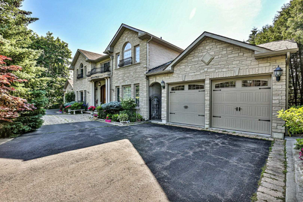 110 Westwood Lane, Richmond Hill