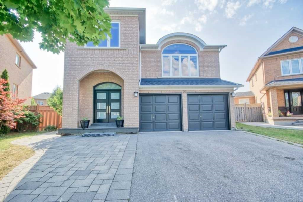 29 Tracie Crt, Vaughan