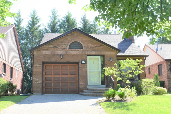 16 Green Briar Rd, New Tecumseth