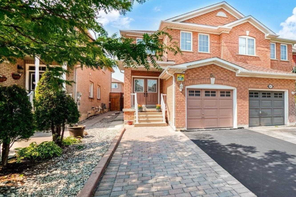 64 Royal Appian Cres, Vaughan