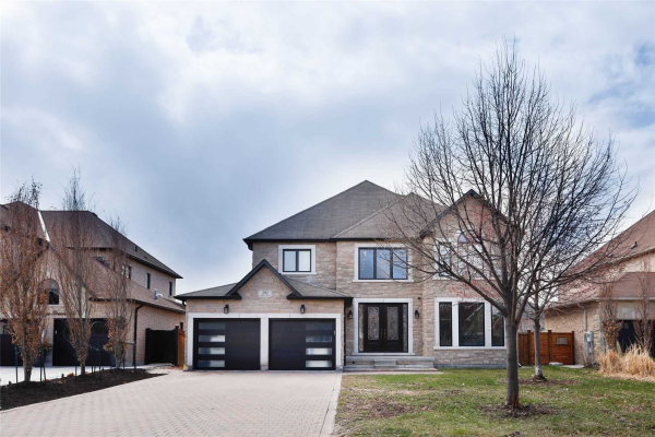 291 Village Green Dr, Vaughan
