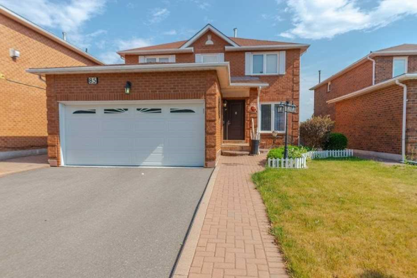 85 Cromwell Rd, Vaughan