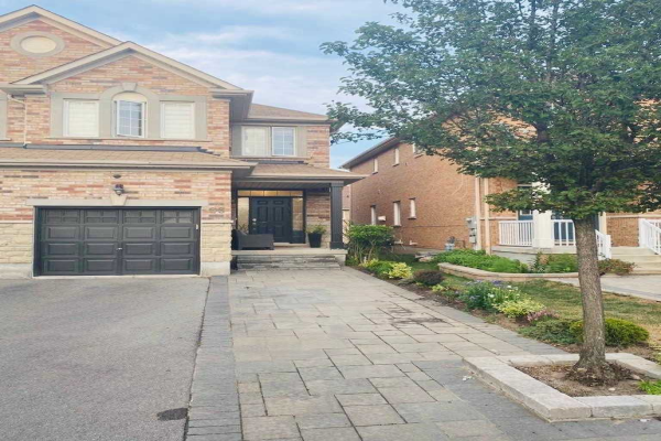 33 Landwood Ave, Vaughan