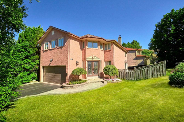 22 Breda Crt, Richmond Hill