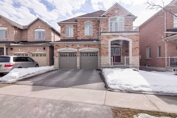 27 Durhamview Cres, Whitchurch-Stouffville