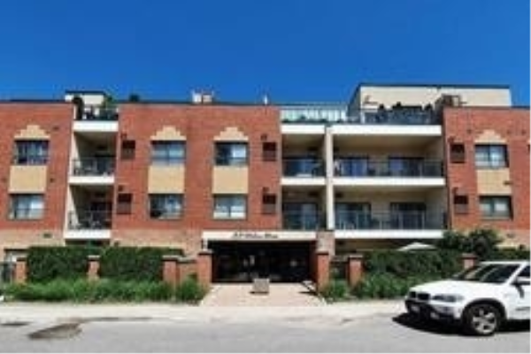 33 Wallace St, Vaughan