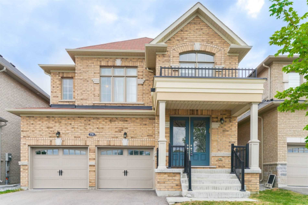 770 Yarfield Cres, Newmarket