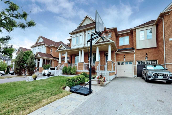 134 Shirrick Dr, Richmond Hill