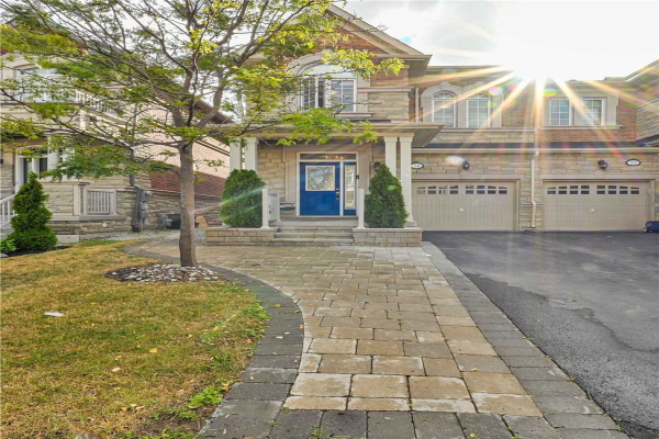 24 Spruce Pine Cres, Vaughan