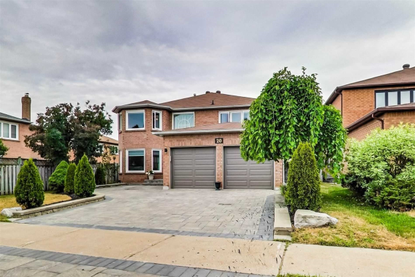 20 Strathearn Ave, Richmond Hill