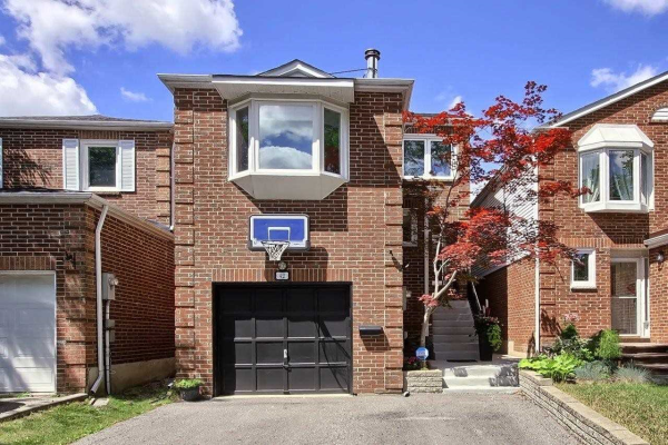 42 Glenmanor Way, Vaughan
