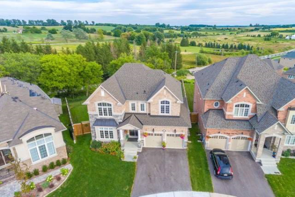 76 Ridge Gate Cres, East Gwillimbury