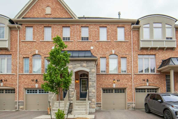 40 Mazarine Lane, Richmond Hill
