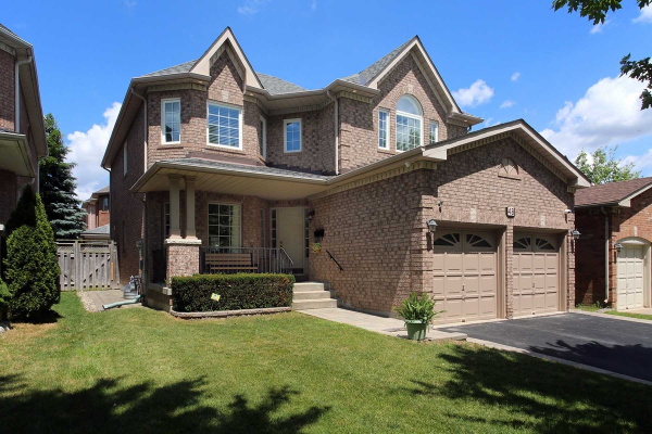 48 Falling River Dr, Richmond Hill