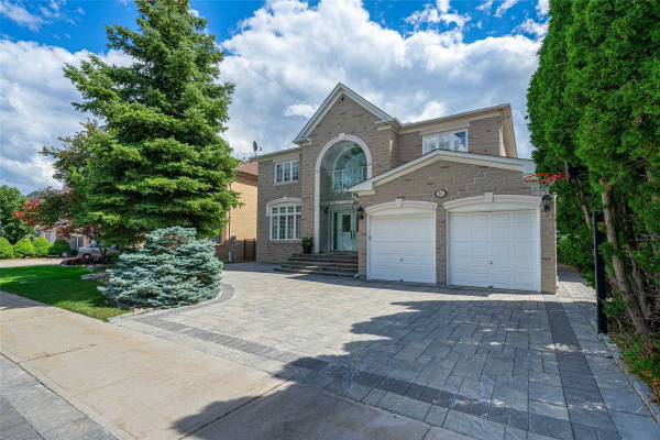 16 Yellow Birch Cres, Richmond Hill